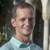 Rob Salguero-Gomez instructor for Transmitting Science