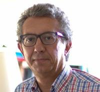 Antonio Calvo Roy instructor for Transmitting Science