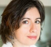 Emmanuelle Lerat instructor for Transmitting Science